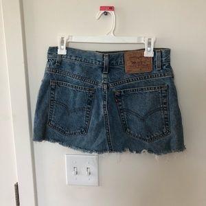 Levi's distressed skirt